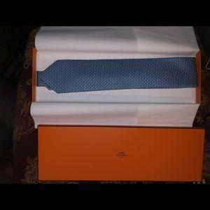 Hermès NWT handsome Cravate twill tie.